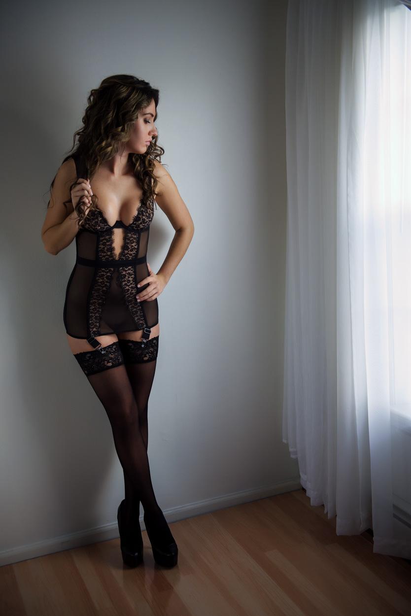 Taylor's boudoir session